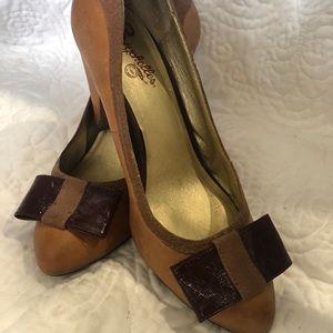 Seychelles Bow Heels